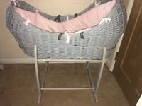 Clair de lune Noah pod Moses basket and stand