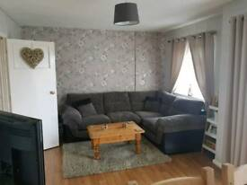 2 BED FLAT. Looking for 3 bed house.