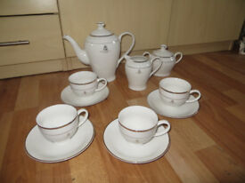 The Queens Golden Jubilee tea set, Royal Family memorabilia