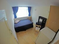 Big Double room, zone 2 Shadwell Stn, Bills and Cleaning(twice a week) incl. Near Tower Bridge, Bank