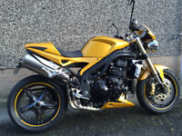 Triumph Speed Triple 1050 - Lots of Extras!