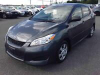 2010 Toyota Matrix Base , 5 Vitesses , AC