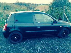 Renault Clio Extreme. 92,000 Miles. MOT until AUG 2017. Great Runner