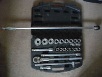BRITOOL 3/4 DRIVE RATCHET SOCKET SET AND BREAKER BAR WRENCH METRIC TOOLS ENGLAND (Leicester) snap-on