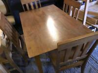 🎅 wood Table and 4 Dinning Chairs