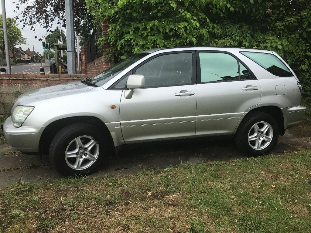 Lexus rx300, silver, FSH,10 months MOT, full leather interior, tinted windows, great condition.
