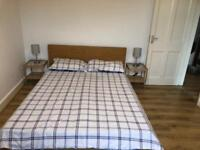 HUGE DOUBLE DOUBLE ROOM TO RENT IN TOOTING BROADWAY