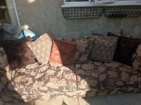 4 Seater Sofa with very Good conditon