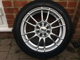 "WR Racing Alloy Wheels (Set of 4 x 15"" Multi-Fit 4 Stud) with Tyres (195/50/R15)"