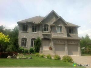 869 000$ - Maison 2 étages à vendre à Mont-St-Hilaire