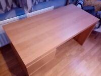 IKEA malm desk, good condition