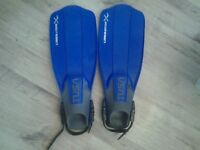 Size 6 Flippers