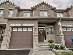 $384,900 - Townhouse for sale in Orléans