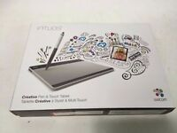 Wacom Intuos pen and touch - CTH-480 and wireless kit