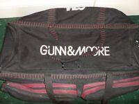 Gunn & Moore Large Wheelie Cricket Bag....Maestro