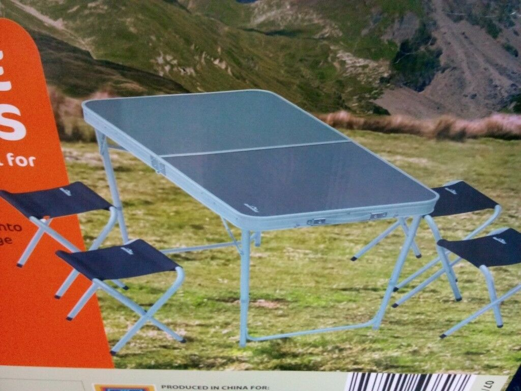.Camping/picnic table with 4 stools