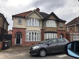 3 bedroom house in Carlton Crescent, Leagrave