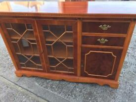Solid side board / Display cabinet