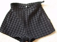 Black small sexY HOT PANTS women's SHORTS XS (LONDON CASH ONLY IN PERSON SE16 7DX)
