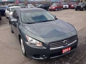 2011 Nissan Maxima SV | LEATHER | PWR ROOF | HTD PWR SEATS