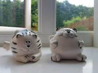 Cat salt and pepper pots