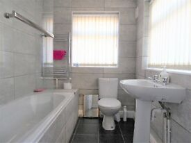 A NEWLY REFURBISHED TERRACE HOUSE SHARE, BENEFITTING A LARGE DOUBLE BEDROOM WITH LIVE IN LANDLORD