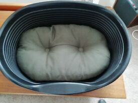 Cat basket / bed with reversible cushion as new