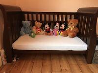 Beautiful Boori Sleigh 3 in 1 Cot Bed in English Oak RRP £600 Pick up NW10 Ldn