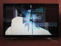 Samsung Smart Television UE22H5600AK - Screen Broken TV - Calls only