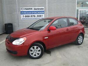 2010 Hyundai Accent AUTOMATIQUE CLIMATISEUR PNEUS D'HIVER