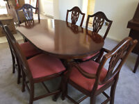 Mahogany Dining Table, Extendable with 6 Chairs