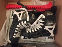 CCM Performance Ice Skates Size 5