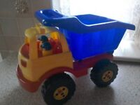 LARGE TIPPER TRUCK/LORRY
