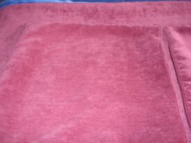 Maroon, velvet look throw, gold fringes each end; double bed size + 2 matching 42 cm pillow covers
