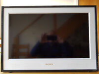 Sony Bravia 26 inch LCD TV KDL-26E4000 - in full working order with remote control