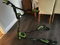 Yvoloution Black and Green Y Fliker Scooter