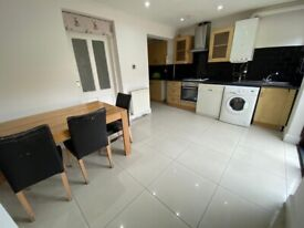 Spacious 4 bed house in ilford