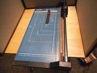 Dahle 553 paper trimer /cutter.