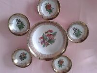Very pretty vintage desert dishes ideal for any cold pud!