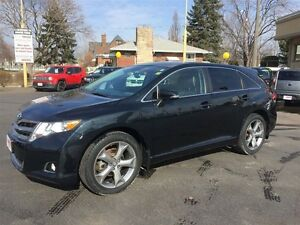 2013 TOYOTA VENZA AWD- POWER SUNROOF, REAR VIEW CAMERA, LEATHER