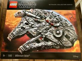Lego Star Wars UCS 75192 Millennium Falcon with Stand & LED lights