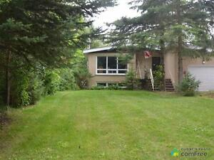 $479,000 - Bungalow for sale in Collingwood