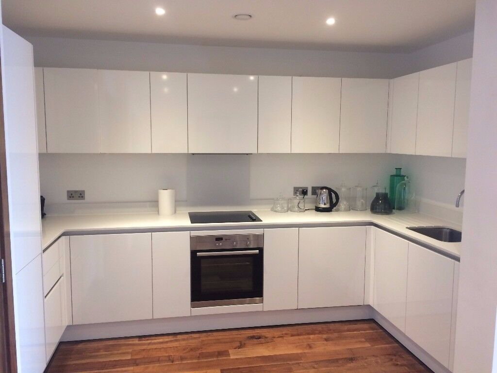 Beautiful 3 double bedroom apartment, 2 bathroom, open kitchen dining - reception WEST HAMPSTEAD
