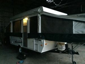 2010 Palomino pop up tent trailer