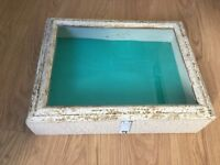 ANTIQUE WOODEN GLASS TABLE TOP COLLECTORS JEWELLERY SHOP DISPLAY CASE/ CABINET