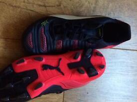 Kids football boots (PUMA)