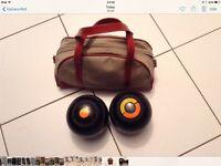 Pair of bowls and bag