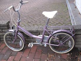 Girl's pink bike 17in wheels