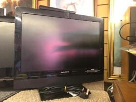 "19"" flatscreen TV"