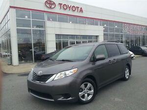 2012 Toyota Sienna LE 8 Passenger (A6)